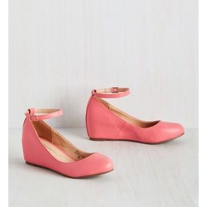 Chase and Chloe Coral wedges